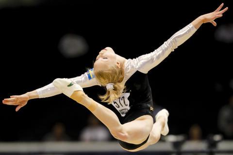 Jonna Adlerteg tävlingsspurtar inför OS