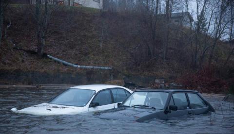 Utsatt for storm og flom – dette dekker bilforsikringen din