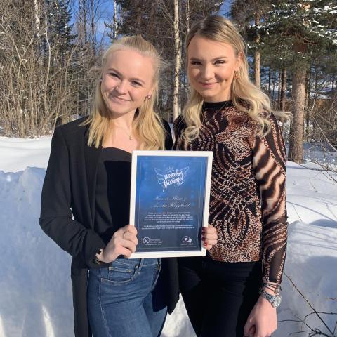 Hanna och Amalia från Lycksele är Månadens Nätänglar februari 2019