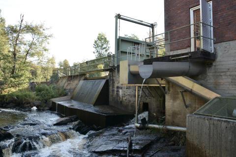 Bosgårdens kraftverk utan klunkning. Foto Per Eckerström