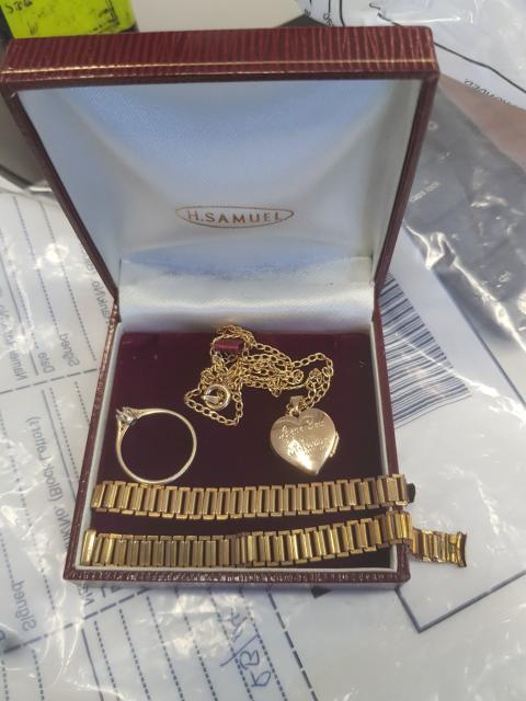 20190730-stolen-jewellery1-eastbourne-47190111103-best-res