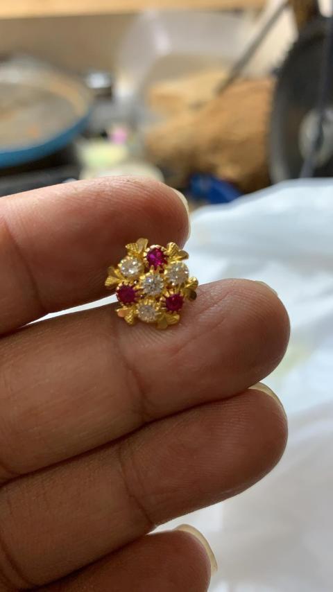 Stolen jewellery [4]
