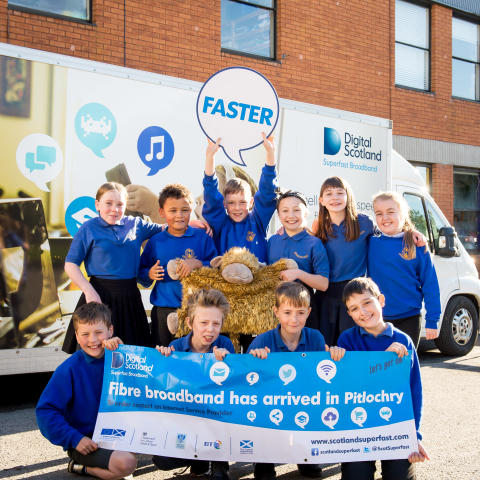 Perth and Kinross pupils get a lesson with fibre broadband