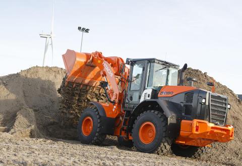 Hitachi ZW180-5 lyfter prestanda, ekonomi och miljö