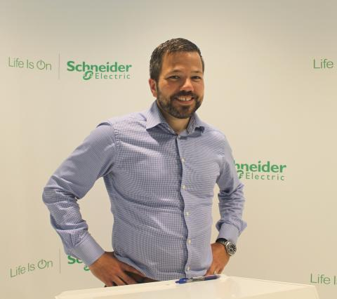 Ny försäljningschef för Schneider Electrics affärsområde Retail