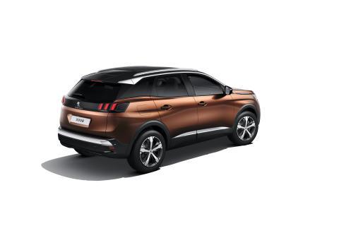 Första bilderna på Peugeots nya SUV 3008