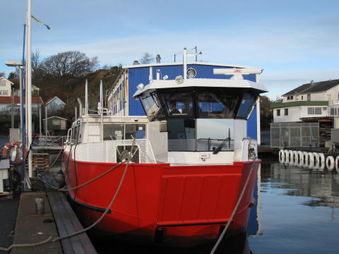 Radar and AIS installation on river vessels