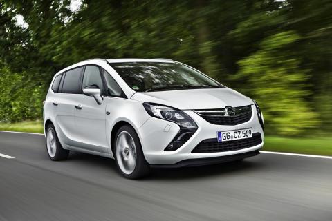 "Opel Zafira Tourer har tilldelats utmärkelsen ""Årets Familjebil 2012"""