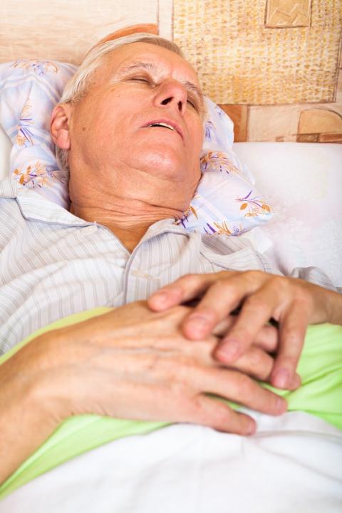Utvärdering av behandlingar för snark- och sömnapné finner stöd för operation men inte radiovågsbehandling