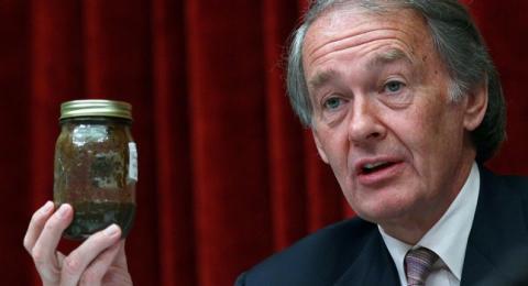 US lawmaker seeks details of oil export requests