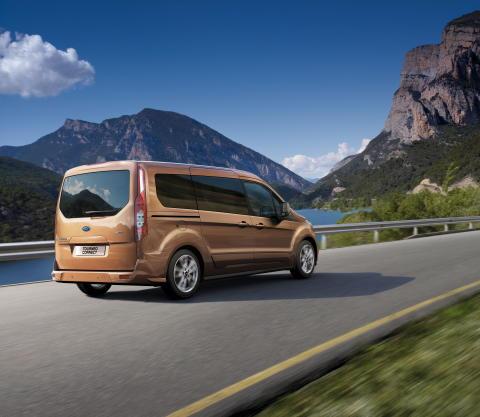 Täysin uusi Ford Tourneo Connect tuo uudenlaista joustavuutta perheille