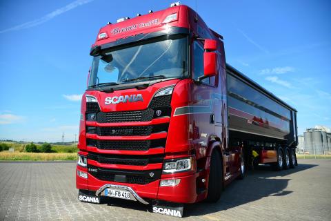 Nutzt Finanzierungs- und Versicherungslösungen der Scania Finance die Breuer GmbH