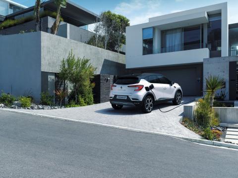 2020 - Nya Renault CAPTUR E-TECH