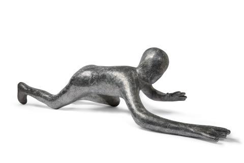 Maria Miesenberger Hide & Seek (Crawling), 2004 Signerad och daterad, numrerad 4/5 Aluminium Längd 195 cm