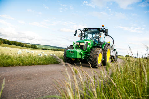 John Deere presenterar det uppkopplade lantbruket