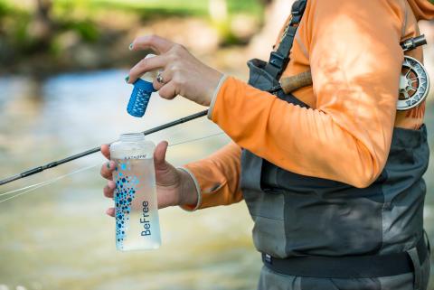 Vattenflaska med vattenrening, 0,6 liter