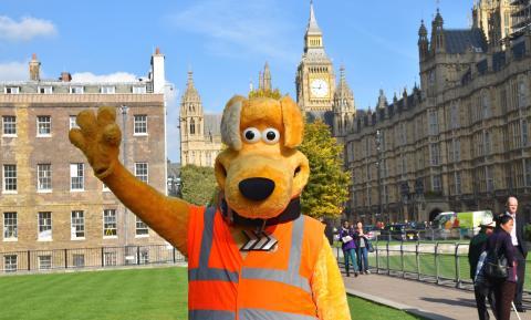 Horace waving with Big Ben