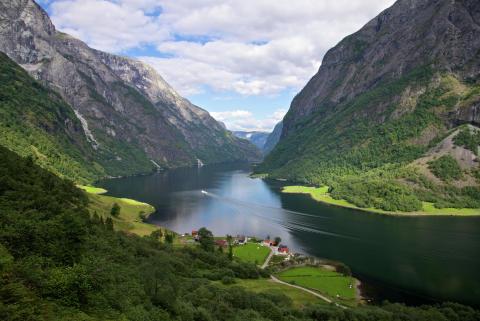 Нэрёй-фьорд, Норвегия