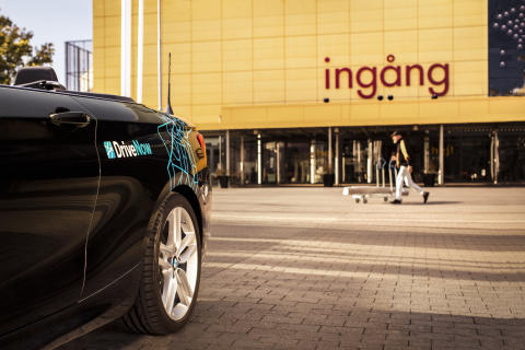 DriveNow_Stockholm_BMW_2Series_Convertible_IKEA_Shopping