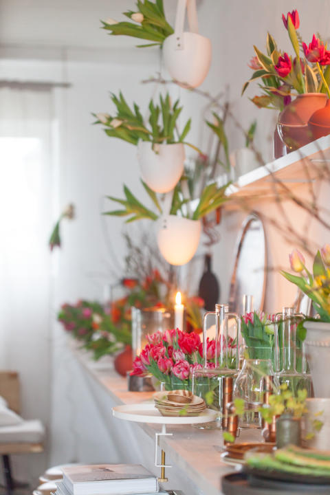 Daniella Witte inreder med svenskodlade tulpaner.