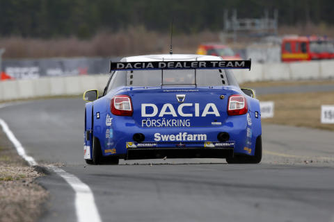 Dacia Dealer Team 04. Foto: Racefoto