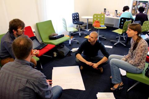 Deltagare vid det första Mirror Europe-mötet i Umeå, juli 2012