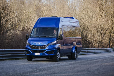 The New Daily - minibus