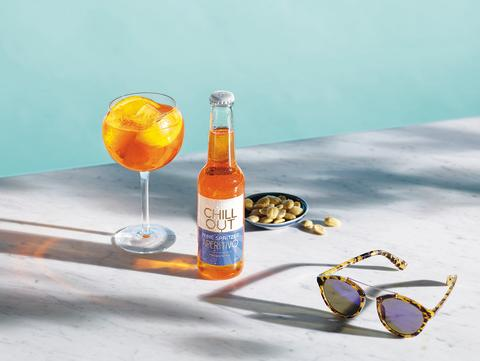 CHILL OUT Wine Spritzer Apertivo med solglasögon