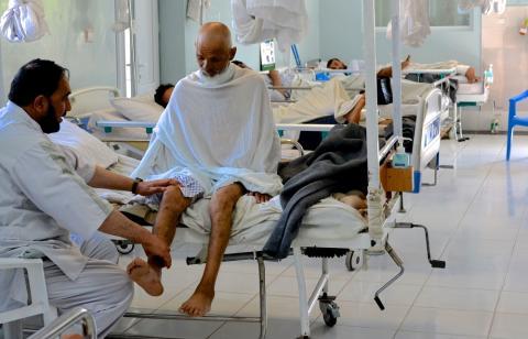 Läkare Utan Gränsers traumacenter tvingas hålla stängt efter en hotfull incident i onsdags.