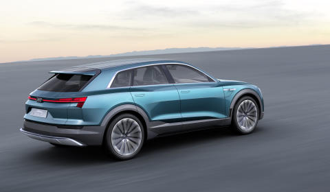 Självkörande, eldriven och uppkopplad med Audi på CES 2016