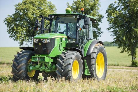 Continental ja John Deere yhteistyöhön: Continentalin maatalousrenkaille ensiasennushyväksyntä