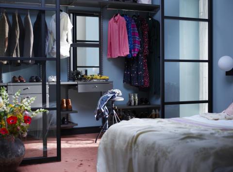 Elfa-decor-walkincloset-bedroom-5_HIRES-high300