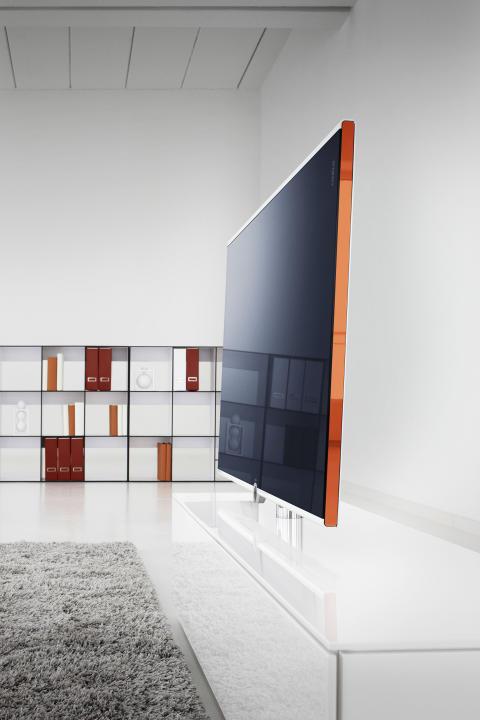 Loewe Compose TV på Loewe rack