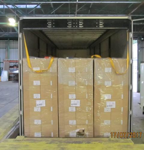 SE 10.17 - Boxes of cigarettes in lorry trailer unit