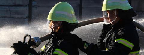 Brandkadet-uddannelse stoppede stenkastere