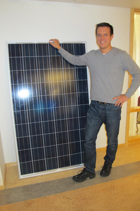 Solklart med solceller