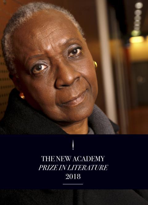 Maryse Condé tar emot Den Nya Akademiens litteraturpris på 250 000 kronor