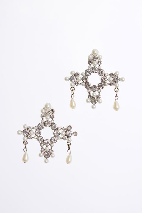 Honorary earrings, 149 SEK, 14,99 EU, 119 DK