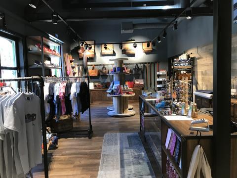 Flåm Store Exckusive byr på lokalt design av ypperste kvalitet