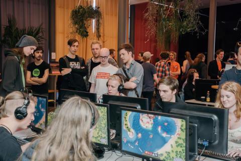 Spelstudenter presenterar nya spel live på nätet