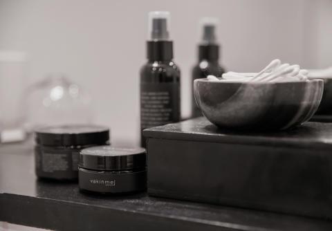 Vakinme ansiktsserie - Facial wash, Facial scrub & Facial cream
