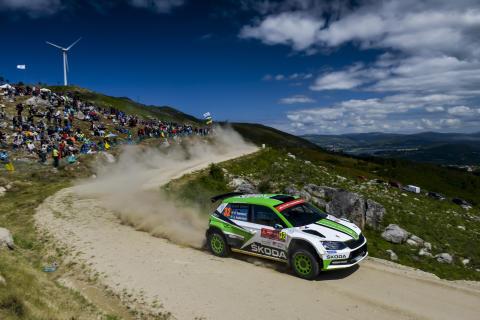 Pontus Tidemand kör för VM-titeln i ADAC Rallye Deutschland