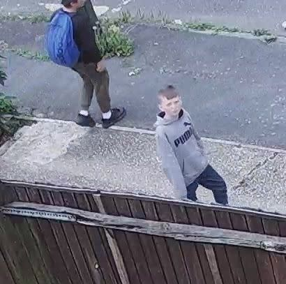 20190812-cctv-youth2-attempt-burglary-hastings-201908050324-best-res
