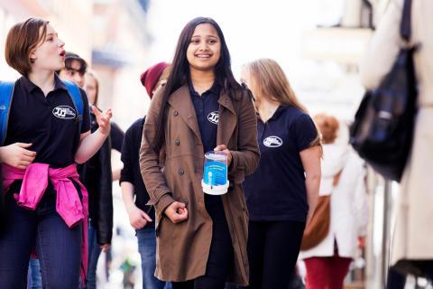 Svenska elever engagerade i Operation Dagsverke