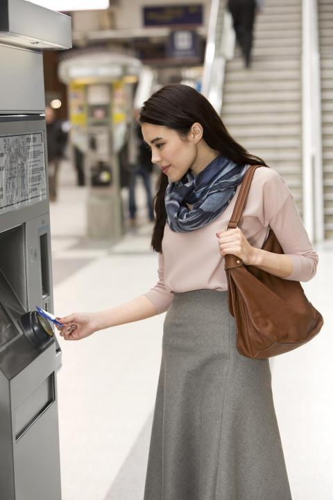 Visa Europe_Fahrkartenkauf_kontaktlose Zahlung
