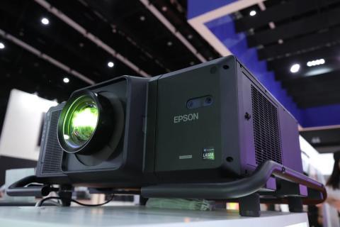 เอปสันเปิดตัวเลเซอร์โปรเจคเตอร์ 3LCD ความสว่าง 30,000 ลูเมนส์ เครื่องแรกของโลก