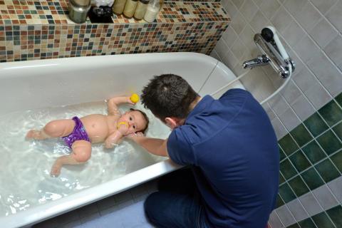 Föräldrars tidsbrist hot mot simkunnigheten