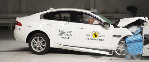 NCAP frontal crash test - Jaguar XE