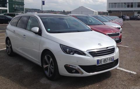 Nya Peugeot 308 SportWagon uppställning