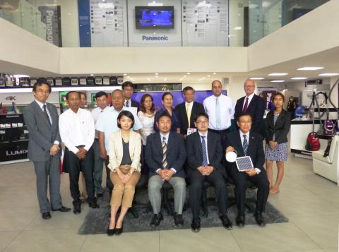 Panasonic Donates 2,400 Solar Lanterns to 11 Humanitarian & Non-Governmental Organizations in Cambodia